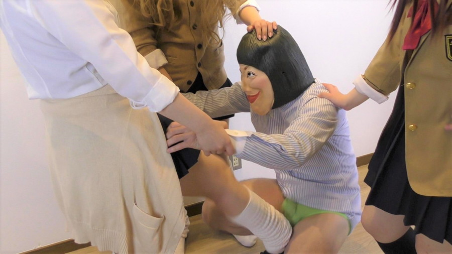【HD】ギャル三人組の教師イジメ サンプル画像02