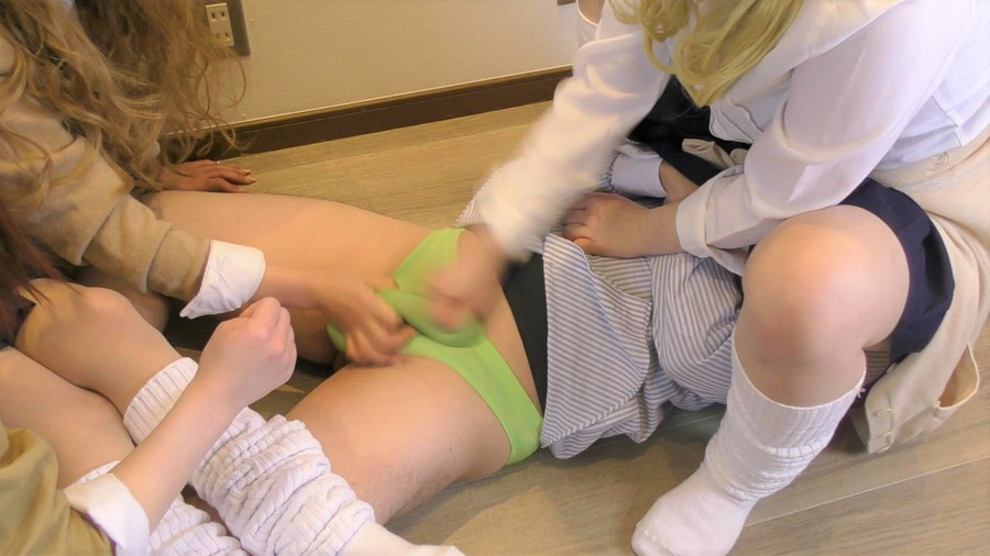 【HD】ギャル三人組の教師イジメ サンプル画像07
