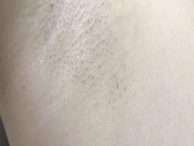 ワキ接写・剃り残しアリの汚ワキ!M男がペロペロ サンプル画像12