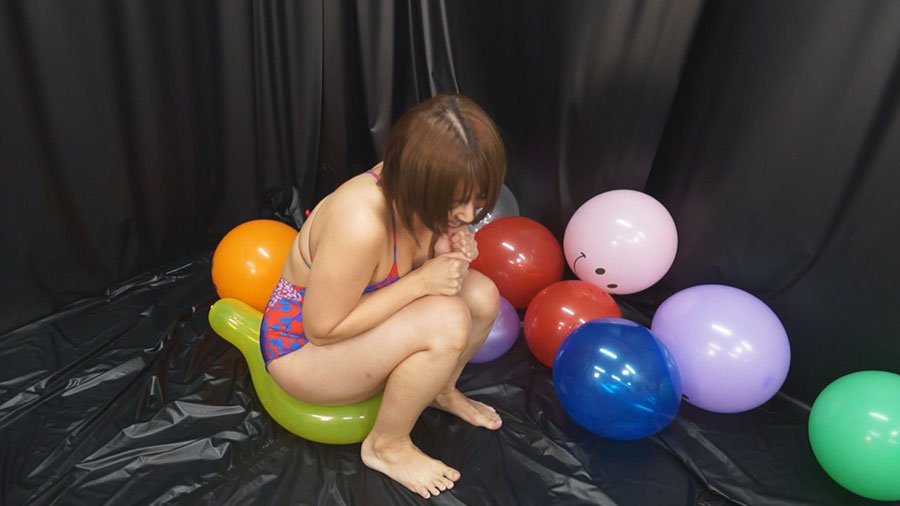 【HD】風船を割る女たち 1 サンプル画像08