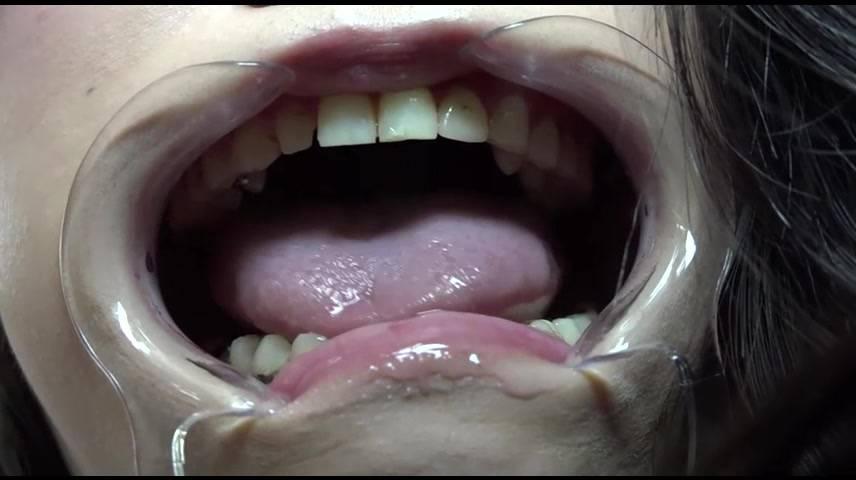 【絶景口内検診】お姉様に消化されることを夢見たM男の走馬灯はかくも唾液・粘膜まみれ サンプル画像02