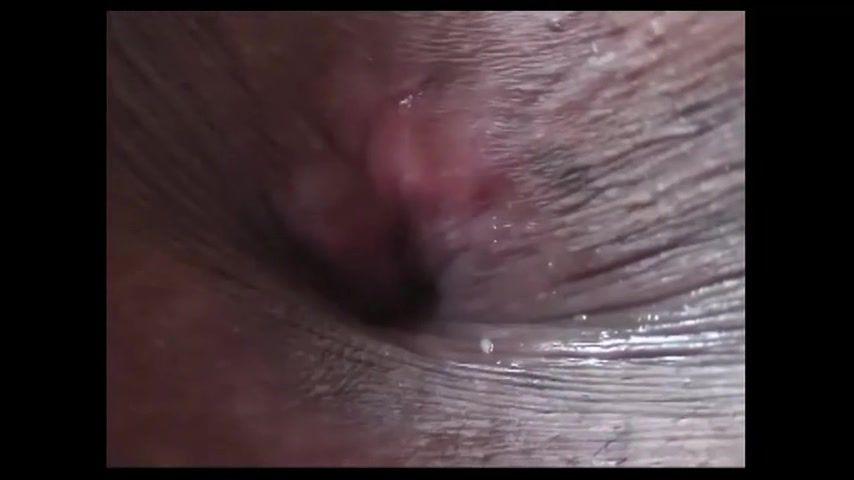 【超接写で迫るアナル】画面の中からでも伝わってくる匂い&シワやヒダや毛穴を確認できる超接写 サンプル画像05