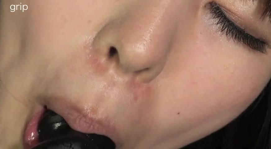 素人粘写01 溢れる唾液を男に吐きかけ、そして飲ませる 天然だけど痴女っぽい性癖の女子大生編 サンプル画像07