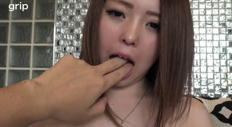 Hカップの若奥さん 顔舐め母乳接吻 上原ひなの サンプル画像03