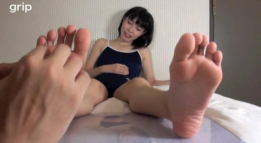 スク水ロリ美少女JK足裏クラッシュ個人撮影 しとう和歌 サンプル画像02