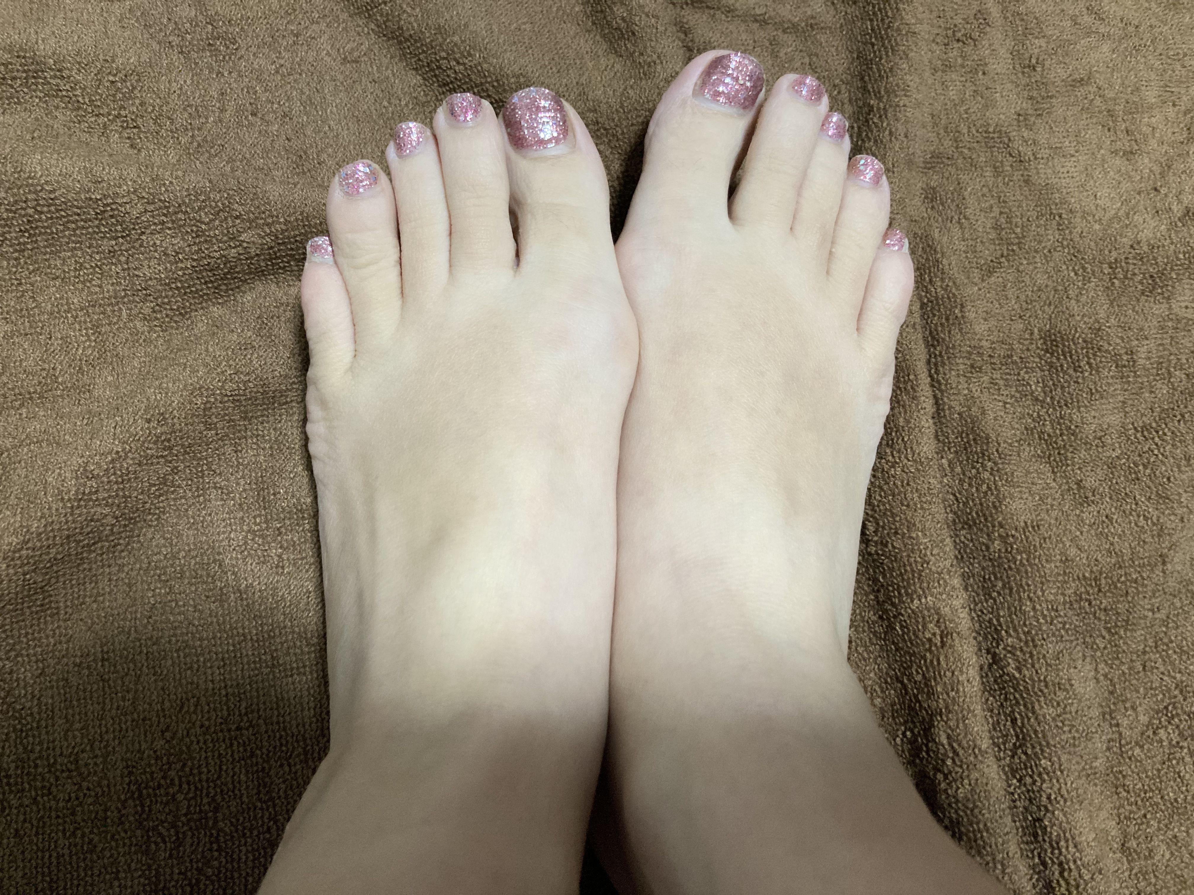 普通の女の子の足の爪切り-スマホ自撮り◎高橋みずき(29歳)保育士 サンプル画像03