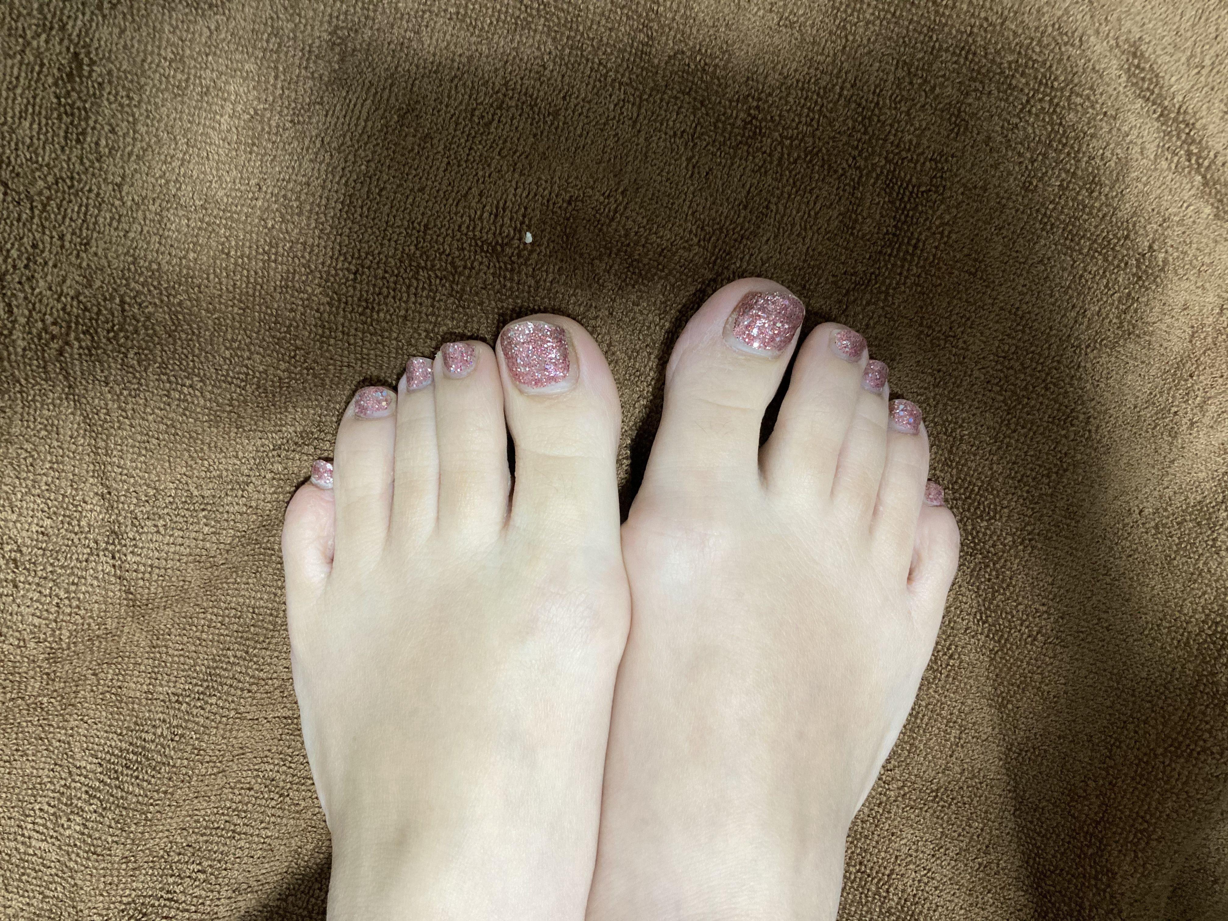 普通の女の子の足の爪切り-スマホ自撮り◎高橋みずき(29歳)保育士 サンプル画像04