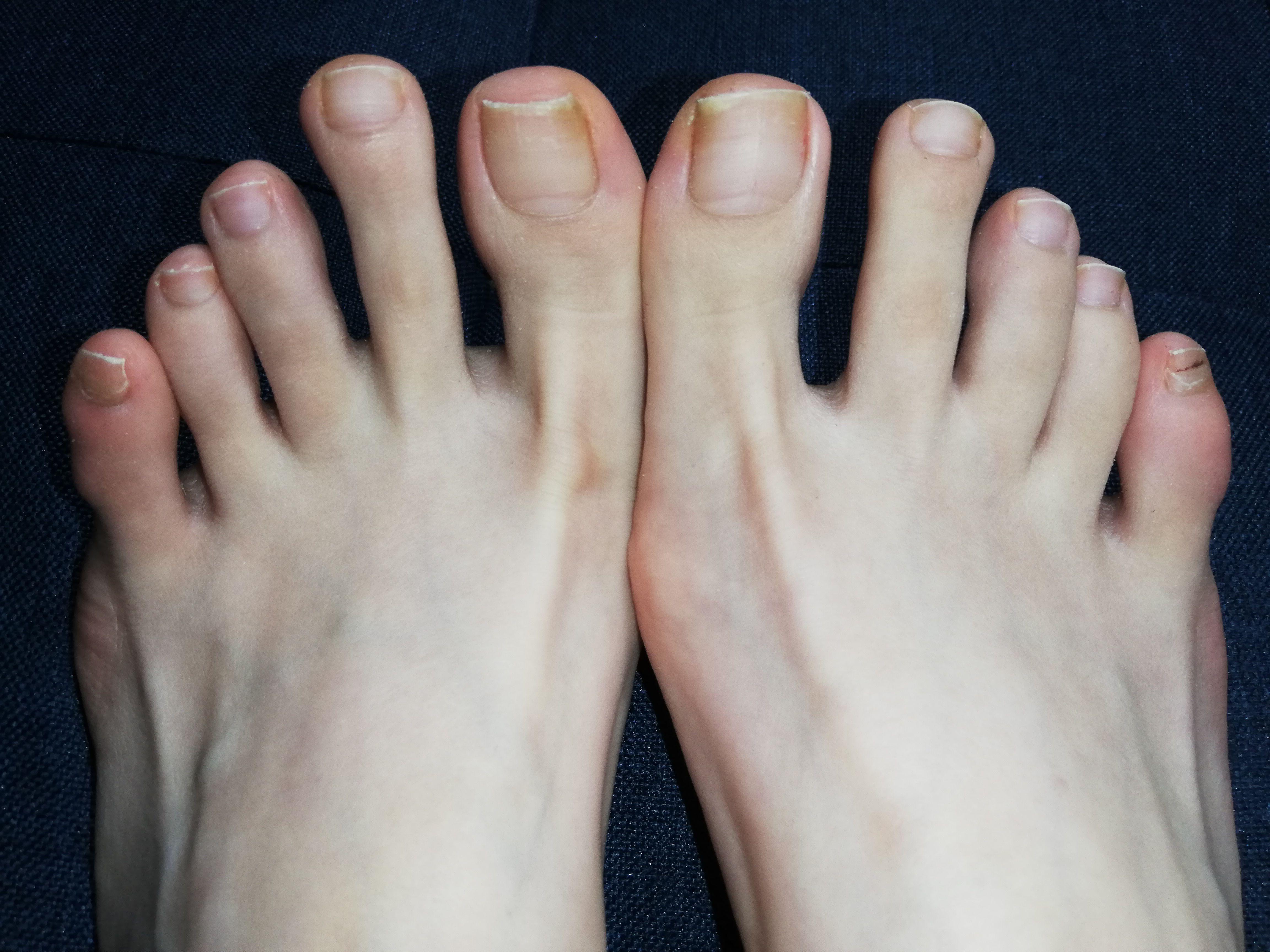 普通の女の子の足の爪切り-スマホ自撮り◎るな(27歳)カフェ店員 サンプル画像03