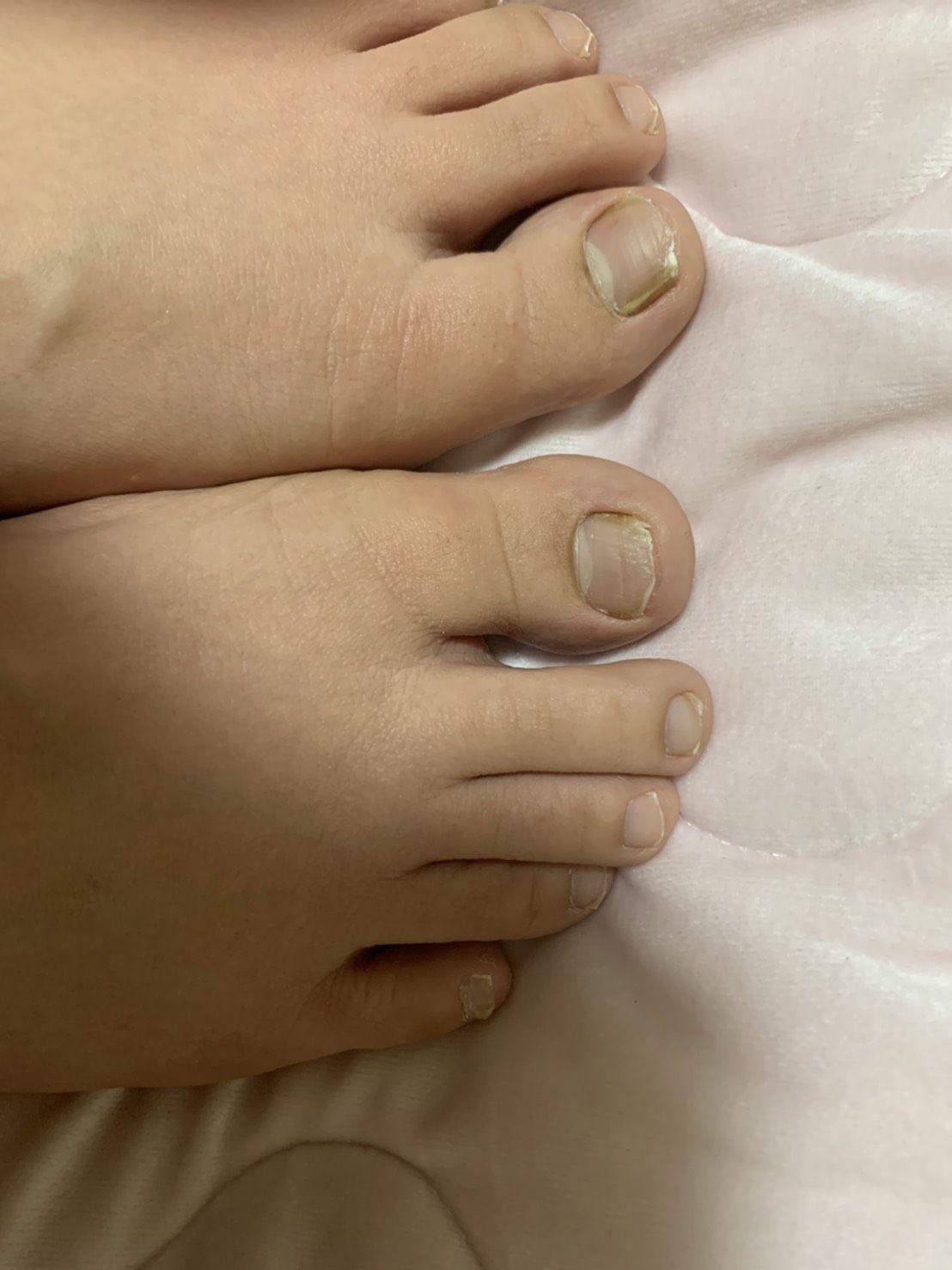 普通の女の子の足の爪切り-スマホ自撮り◎内田彩子(28歳)ヤクルトレディ サンプル画像03