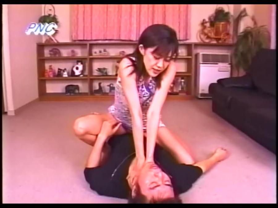 女絞殺魔 首絞め窒息ビデオvol06 サンプル画像02