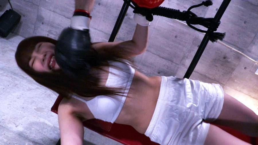 【HD】格闘女虐め 人間サンドバッグ編1 サンプル画像09