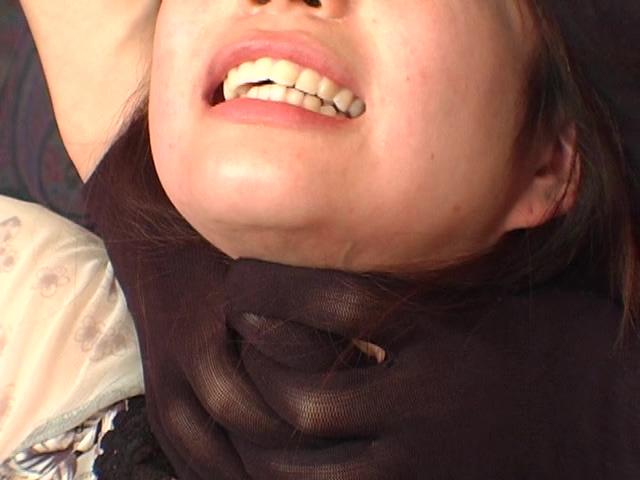 【高画質になって再登場】その首の綺麗な血管が蒼く浮き サンプル画像05