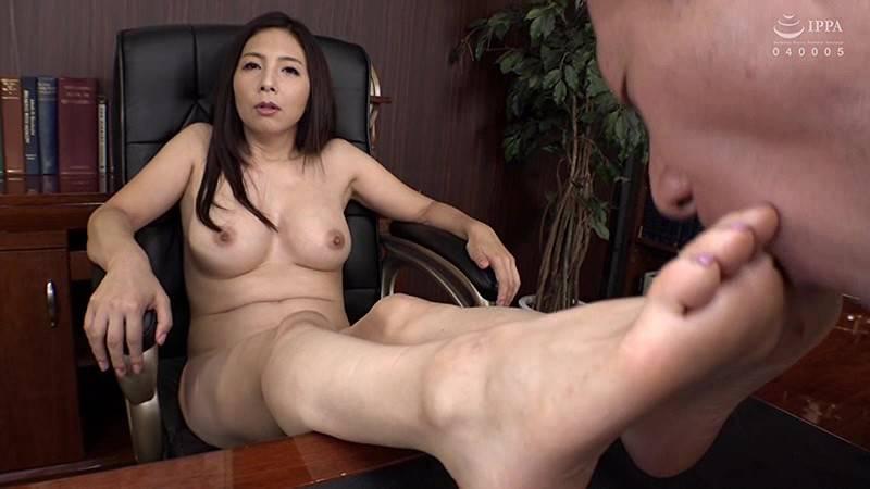 女社長のバター犬 秘書で性欲処理をするパワハラ社長 一条綺美香 サンプル画像01
