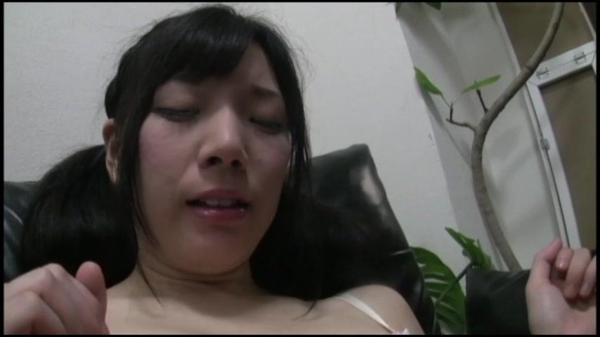 【新着投稿!マニア絶賛!】分泌過剰なお姉さんたちのシミパン サンプル画像01