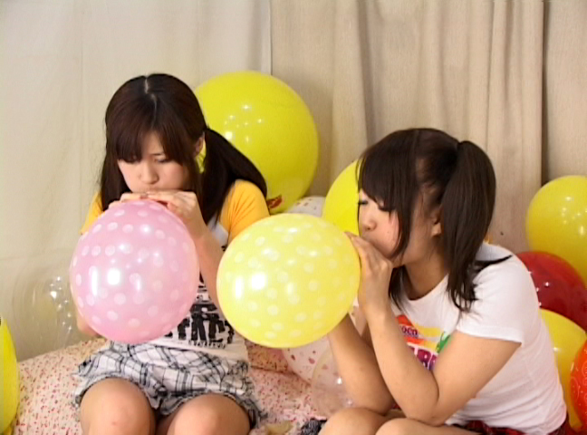 ブニュ?ン!! 女の子2人で風船つぶしっこ 1 サンプル画像07