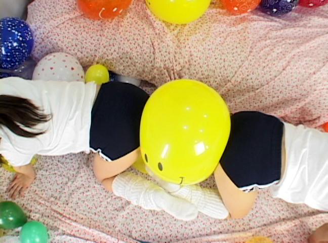 ブニュ?ン!! 女の子2人で風船つぶしっこ 1 サンプル画像11