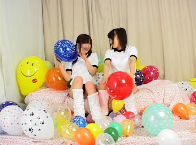 ブニュ?ン!! 女の子2人で風船つぶしっこ 1 サンプル画像12