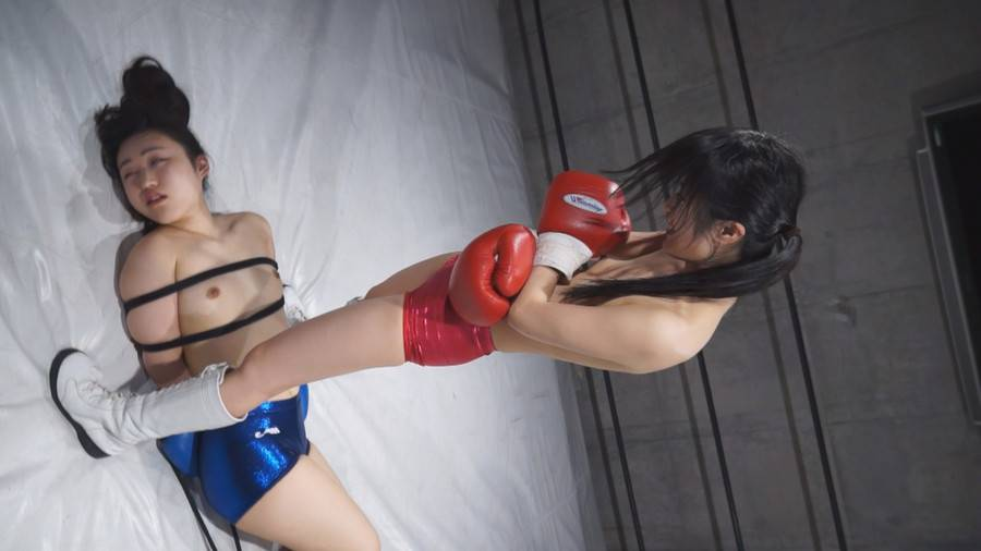 【HD】Beautiful Naked Woman Punching Bag Vol.1(ビューティフル・ネイキッド・ウーマン・パンチングバッグ) サンプル画像01