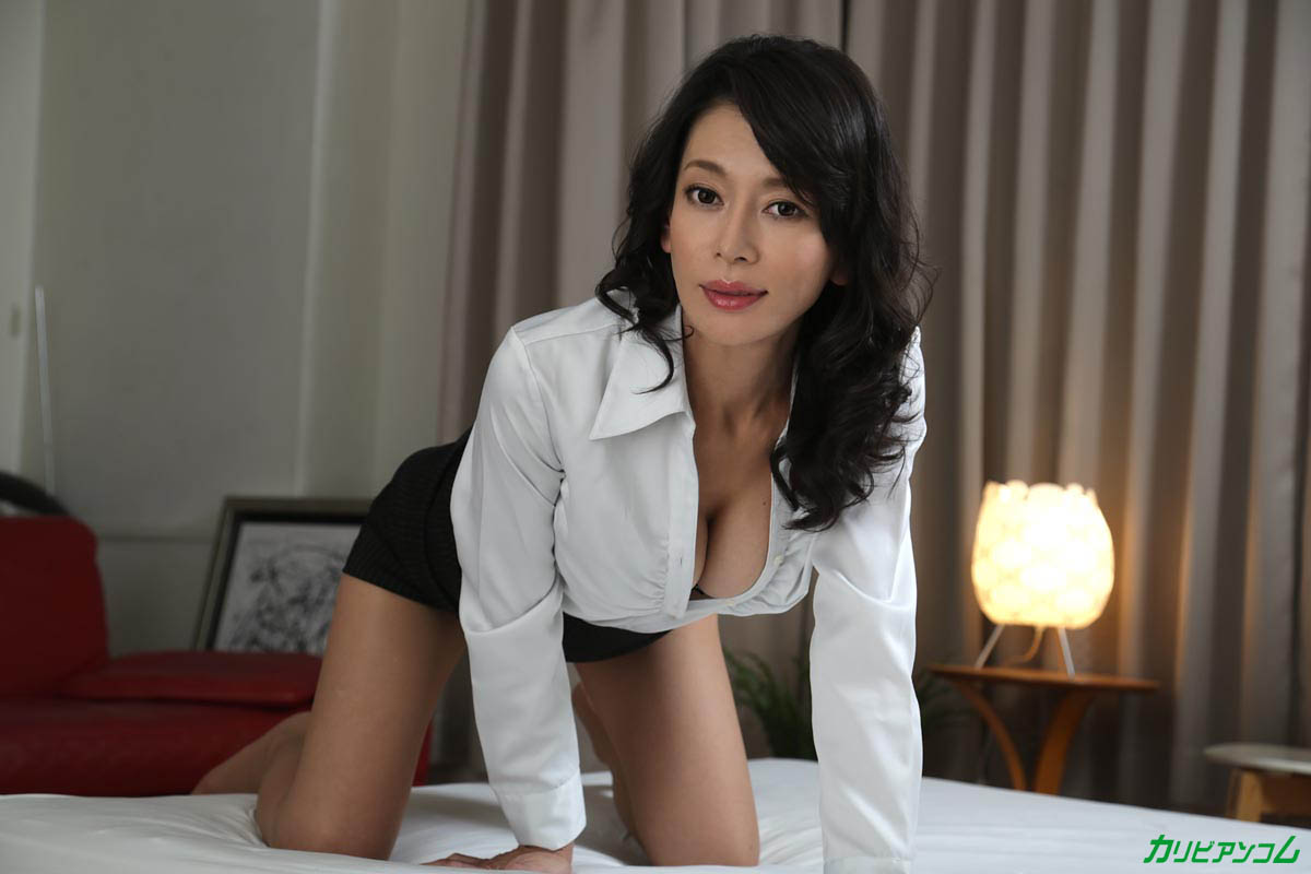Under the mature woman suit is Rei Kitajima