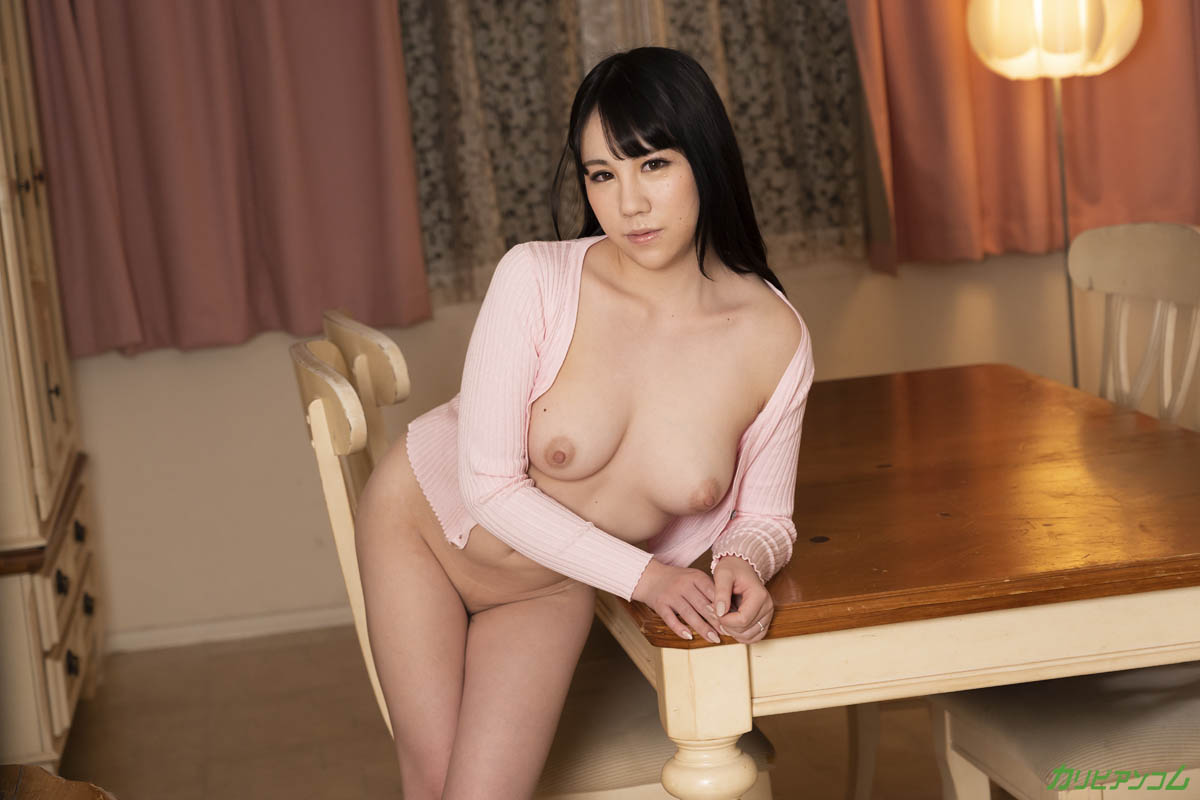 Uncontrollable sexual desire of a frustrated beautiful wife with an ED husband