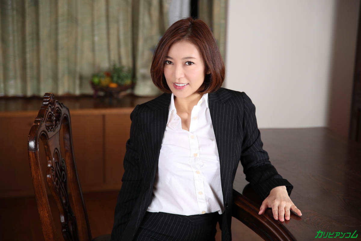 What a beautiful mature woman teacher really wants sample image 01