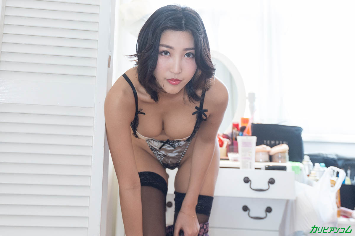Why is Emiri Momota so naughty? Sample image 03