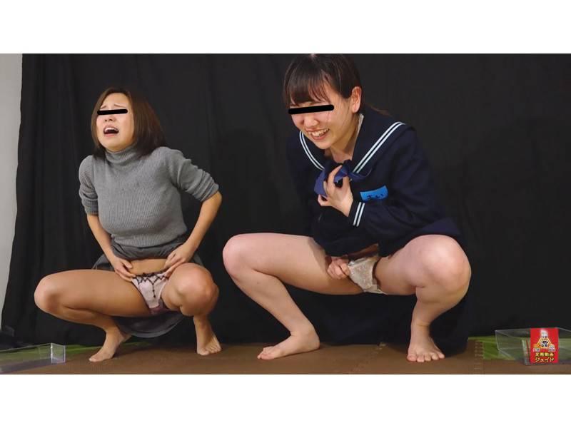 おしっこガマン極限対決 女学生とOLのお漏らし勝負 3 1/2 サンプル画像10