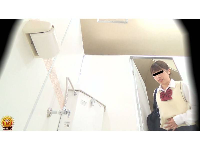 追跡盗撮 お腹が痛い女子校生たちの 便器ぶちまけゆるうんち サンプル画像6