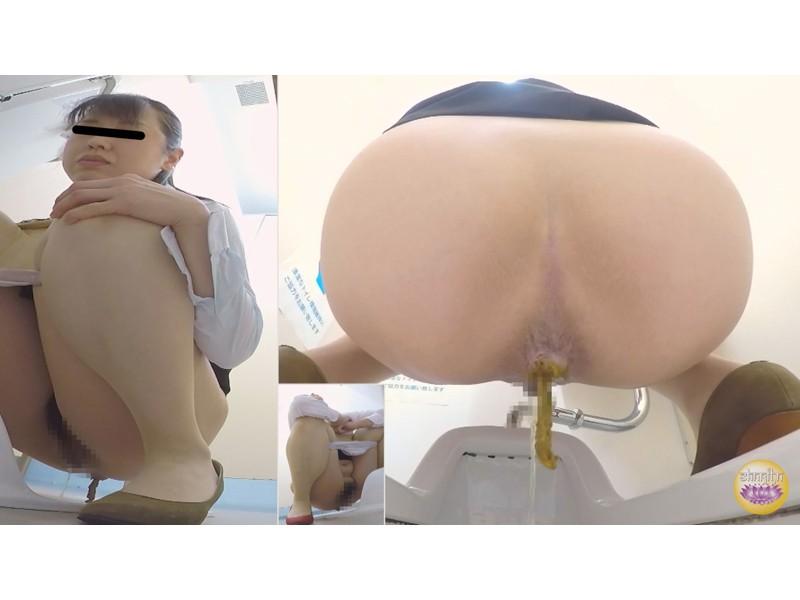 社内トイレ 超気まずい…OLオナラ大便 サンプル画像12