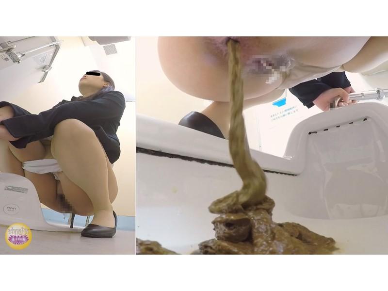 社内トイレ 超気まずい…OLオナラ大便 サンプル画像18