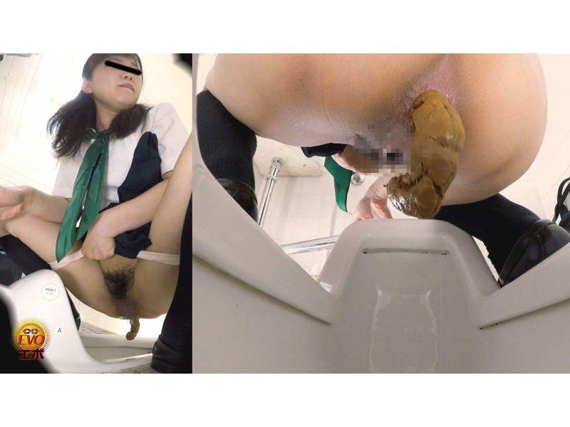 和式トイレ盗撮 女子校生のうんこ3 さまざまなアングルから眺めた若い大便の全て サンプル画像2