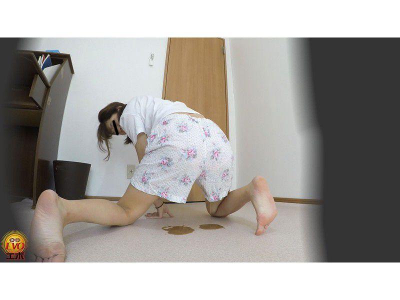 盗撮 夏にお腹を下した 妹のピーピー下痢 サンプル画像4