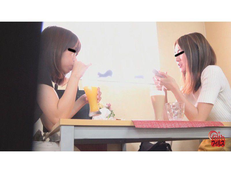ぴーぴんぐカフェトイレ おまる座りでウンチする女たち サンプル画像21