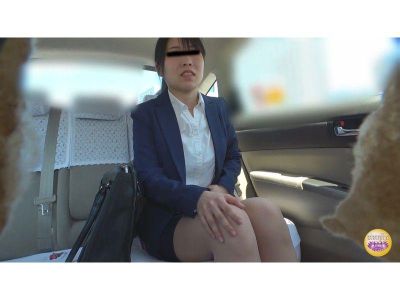 悪徳タクシー 高速道路暴走放尿 サンプル画像13