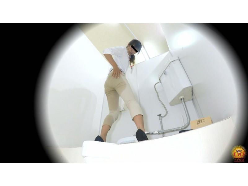盗撮 意地悪な面接官の膀胱圧迫お漏らし! 面接会場の悲劇… サンプル画像14