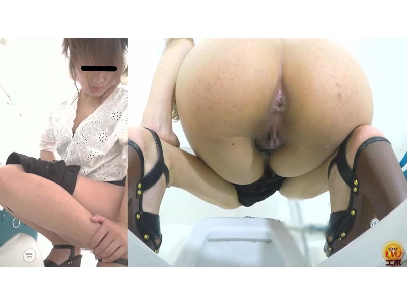 公衆トイレ盗撮 街行く女性達の爆おなら サンプル画像2