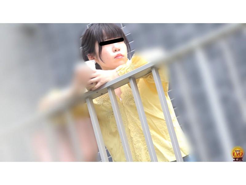 公衆トイレ盗撮 街行く女性達の爆おなら サンプル画像6