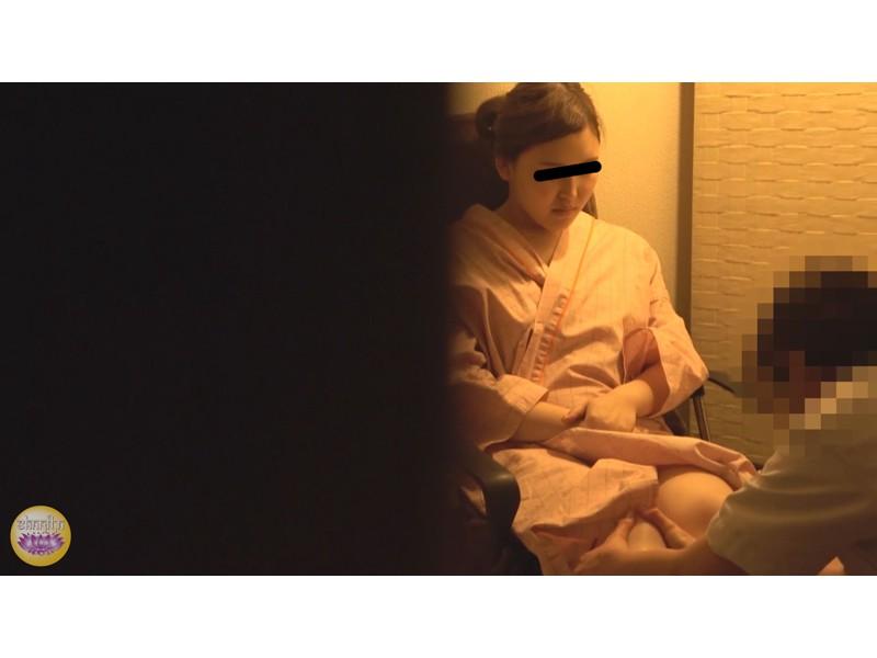サウナ汗濁駆け込み 全裸大放尿 サンプル画像18