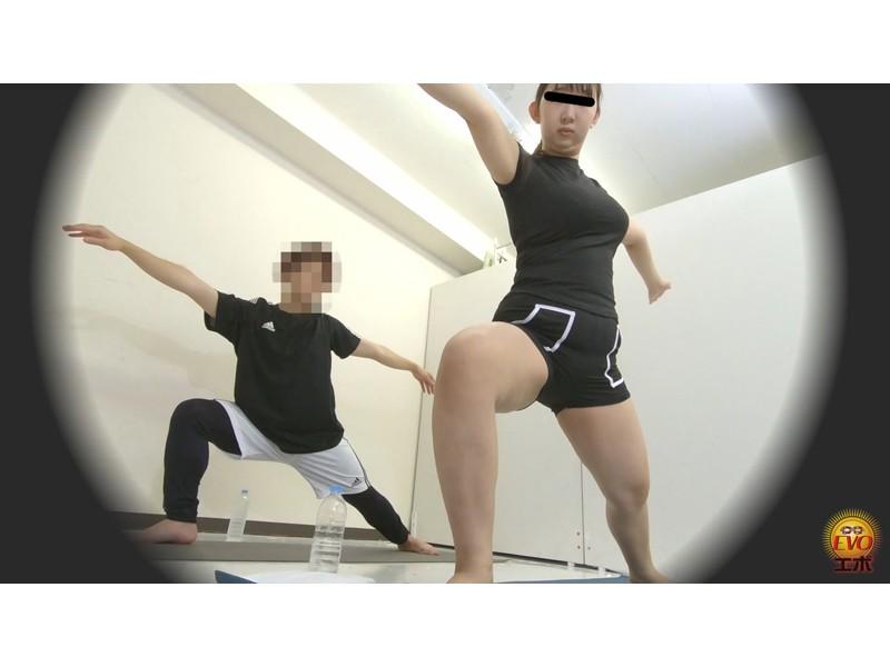 盗撮 ヨガウエア女子の健康うんこ サンプル画像12