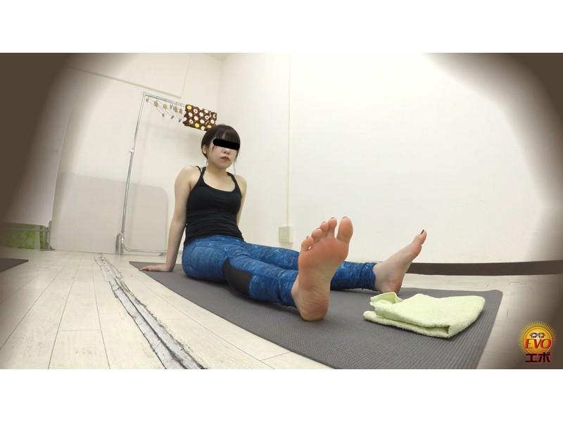 盗撮 ヨガウエア女子の健康うんこ サンプル画像23