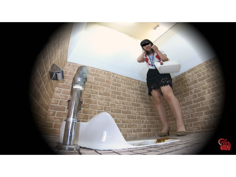 激臭!悶絶!トイレ盗撮 OL達の流れないウンチ サンプル画像23