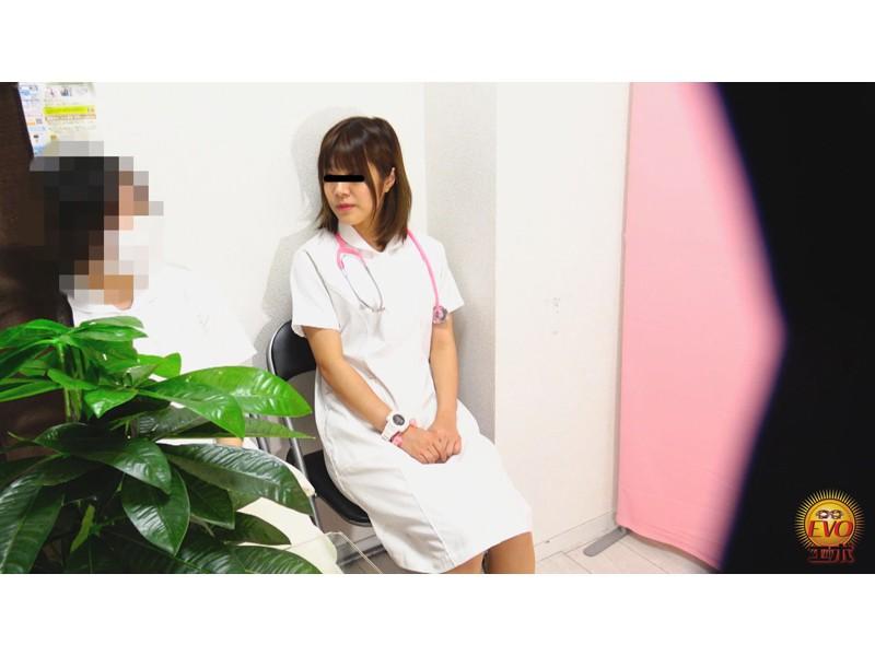 病院内盗撮 看護師の手早くイキオナニー サンプル画像21