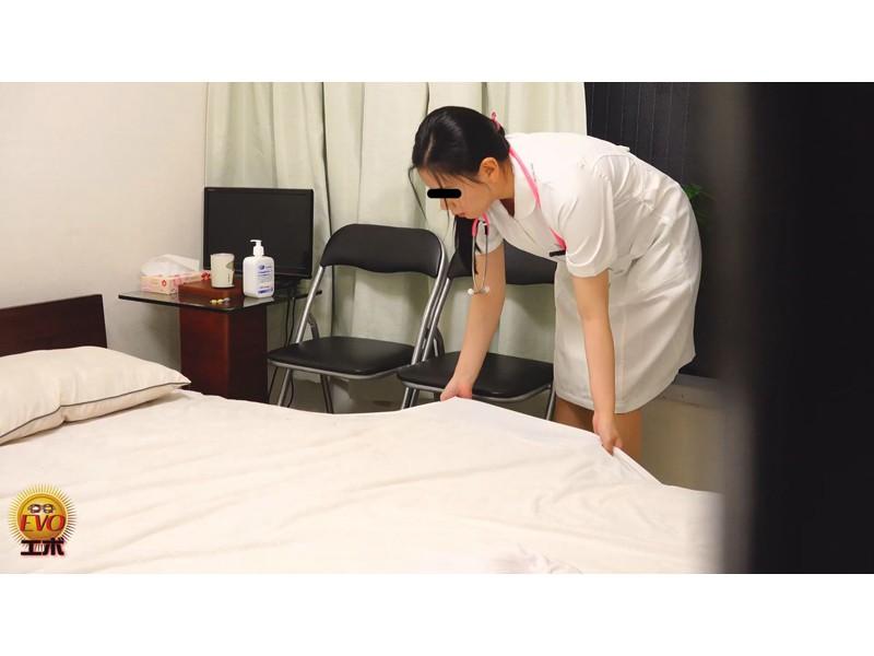 病院内盗撮 看護師の手早くイキオナニー サンプル画像7