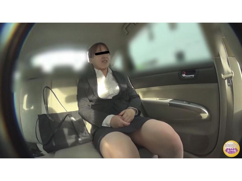 社内盗撮 便秘女の糞闘記録 硬い便と下剤軟便の日 サンプル画像1