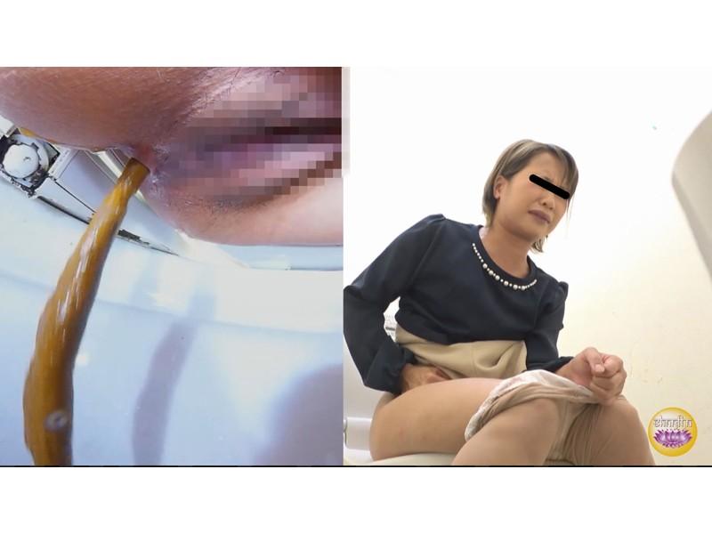 社内盗撮 便秘女の糞闘記録 硬い便と下剤軟便の日 サンプル画像20