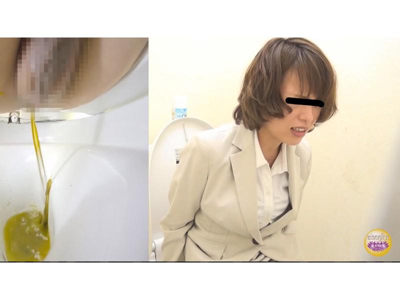 社内盗撮 便秘女の糞闘記録 硬い便と下剤軟便の日 サンプル画像8