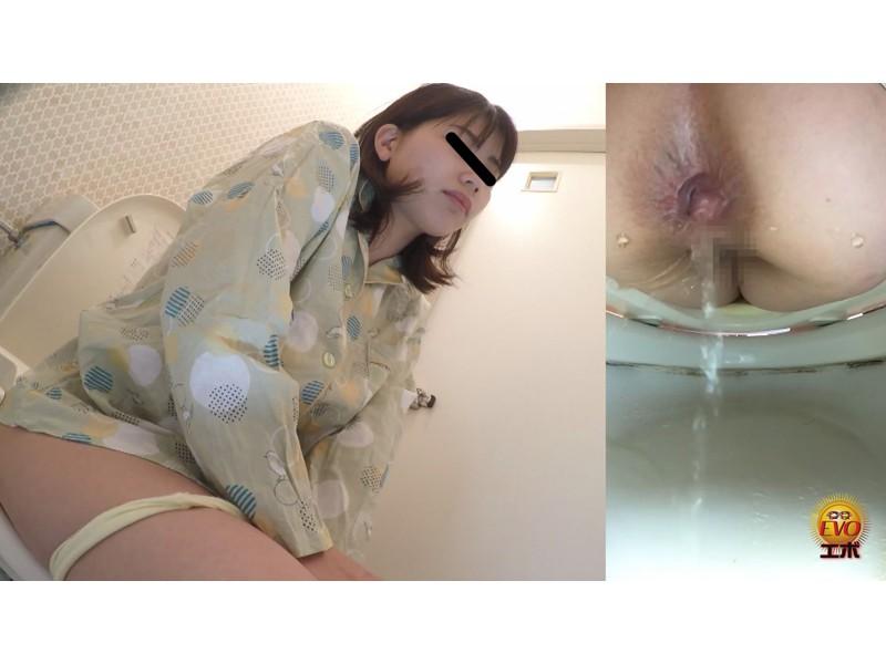 日常盗撮 女性の私生活 1日密着おしっこ サンプル画像1