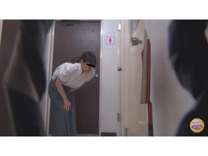 尿意爆発寸前 脱衣困難和装女子放尿 サンプル画像14