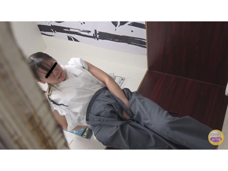 尿意爆発寸前 脱衣困難和装女子放尿 サンプル画像18