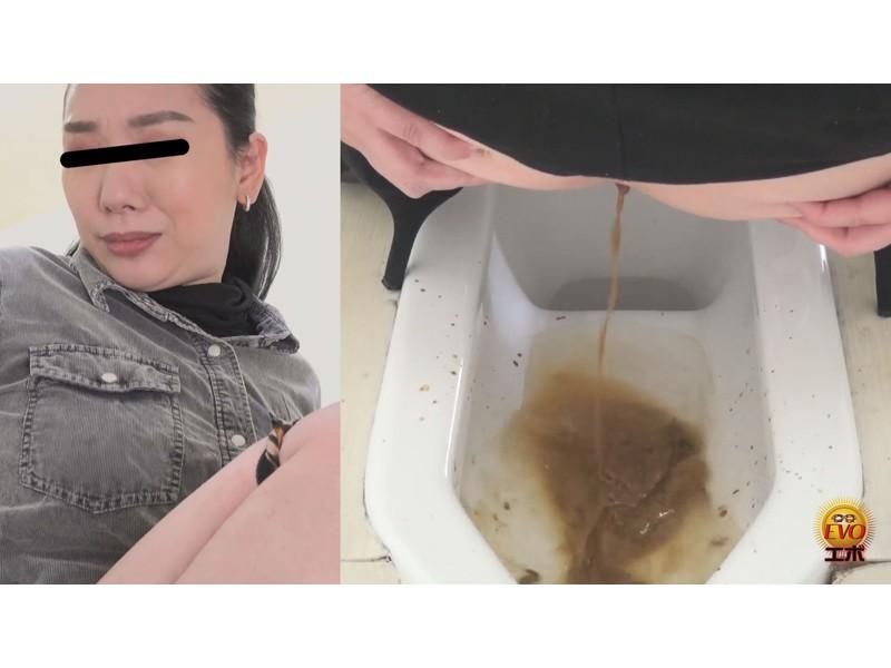 トイレ盗撮 アナルかっ開き下痢便 腸内のもの全部見せます サンプル画像10